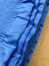 Load image into Gallery viewer, Beautiful Blue Thick and Soft KING SINGLE New Zealand Wool Blanket - Fresh Retro Love NZ Wool Blankets