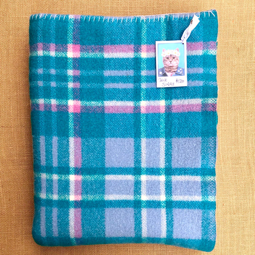 Bright Turquoise and Fuchsia SINGLE Super Thick and Soft - Fresh Retro Love NZ Wool Blankets