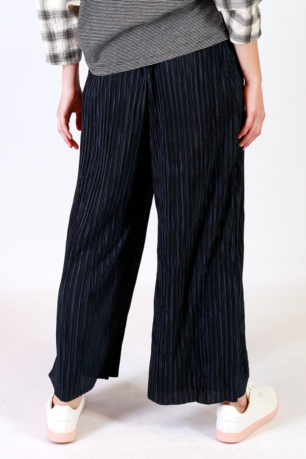 Alex Pleat Pant, Annah Stretton AW19, Pleated Pant, Shot on Model