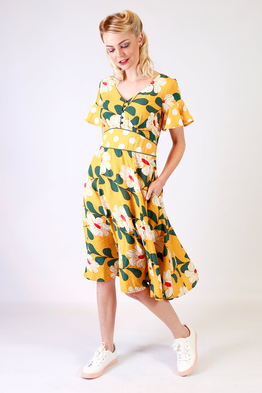Tillys Corner Dress | Mid Length Dresses NZ | Designer Fashion NZ / Evening Dresses NZ / Floral Dresses NZ / Evening Wear NZ NZ | Floral Dresses NZ