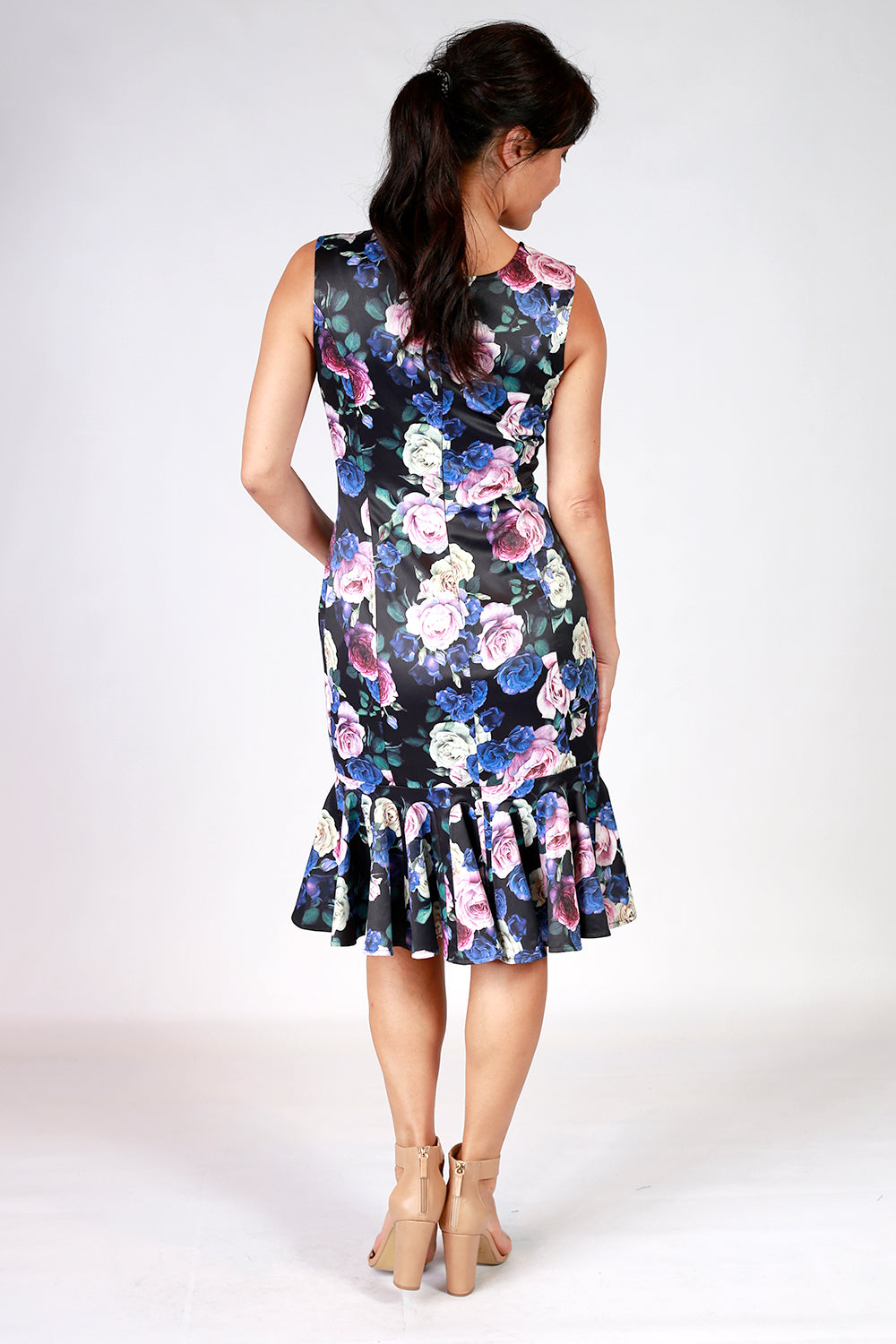 Lost Consignment Dress | Floral Dress | Return To Sender | New Zealand Designer | New Zealand Fashion | Annah Stretton