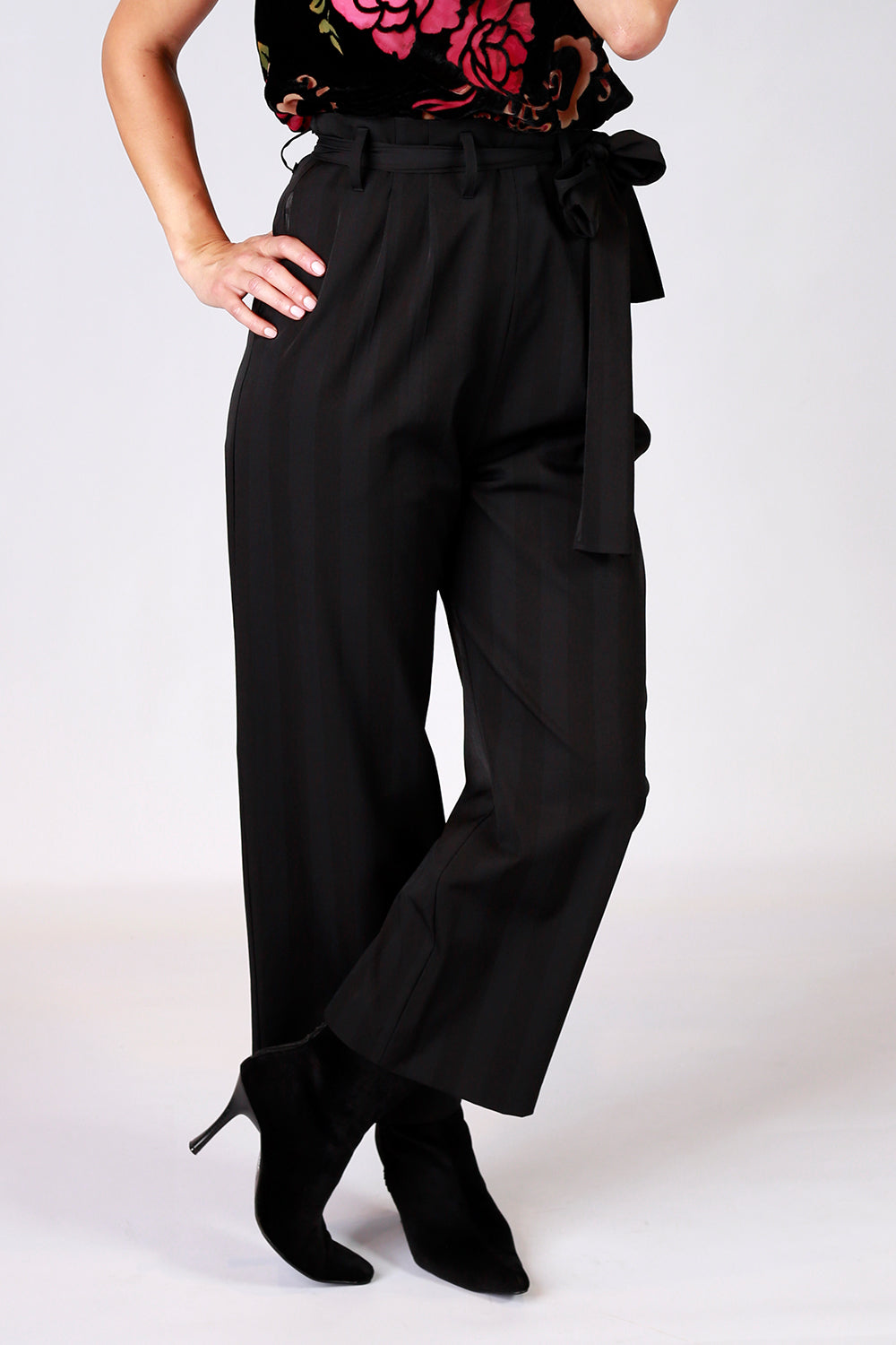 Best Company Pants | Gypsy Fare AW20 | Annah Stretton | Annah Stretton Fashion | Designer Fashion | Culotte Pants | Wide Leg Pants | Black Pants | Annah Stretton NZ | Designer Fashion NZ