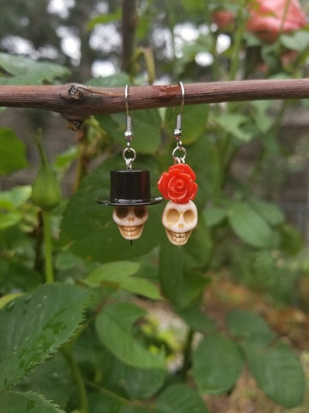 1 Pair of Skull Earrings,Day of The Dead Earrings