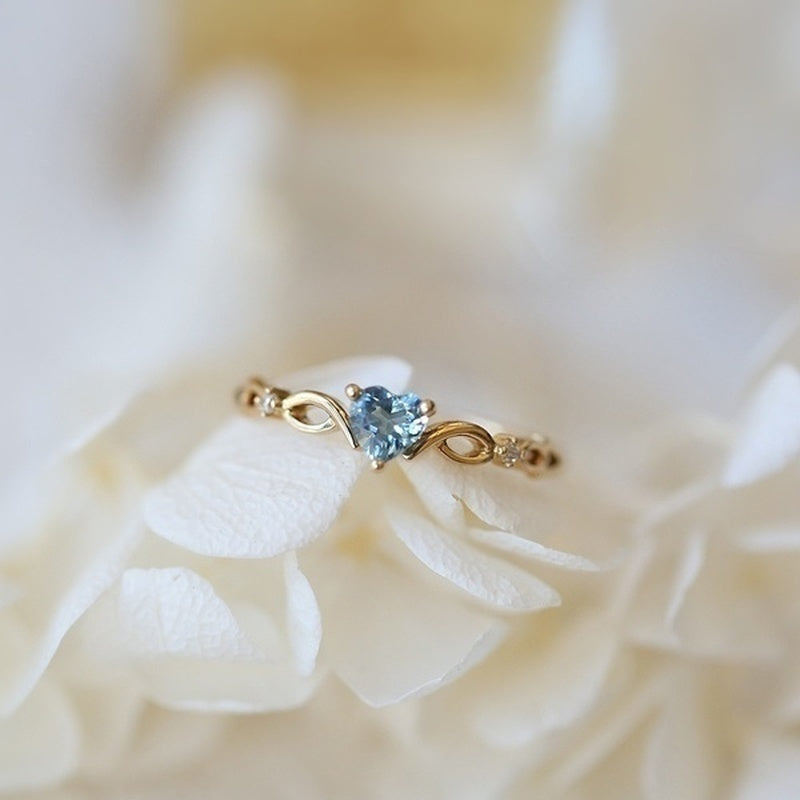 Exquisite Women Dainty 18k Gold Skyblue Heart Shaped Sapphire Diamond Gemstone Ring