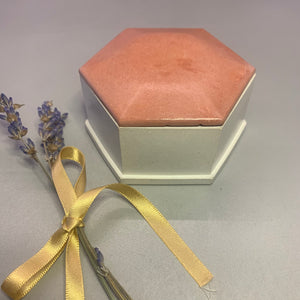 Hermina - Hexagon box with lid