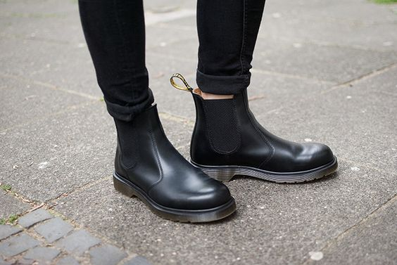 2 WAYS TO WEAR | THE DOC MARTEN BOOT