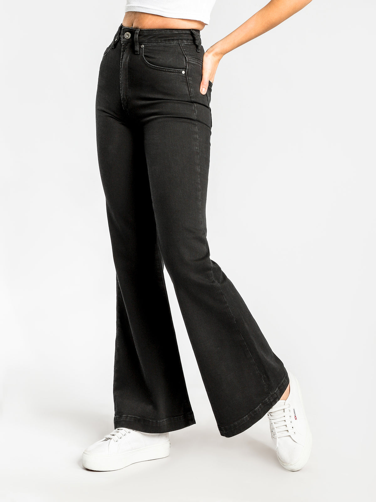 Edee Flared Jeans in Black-Out Denim