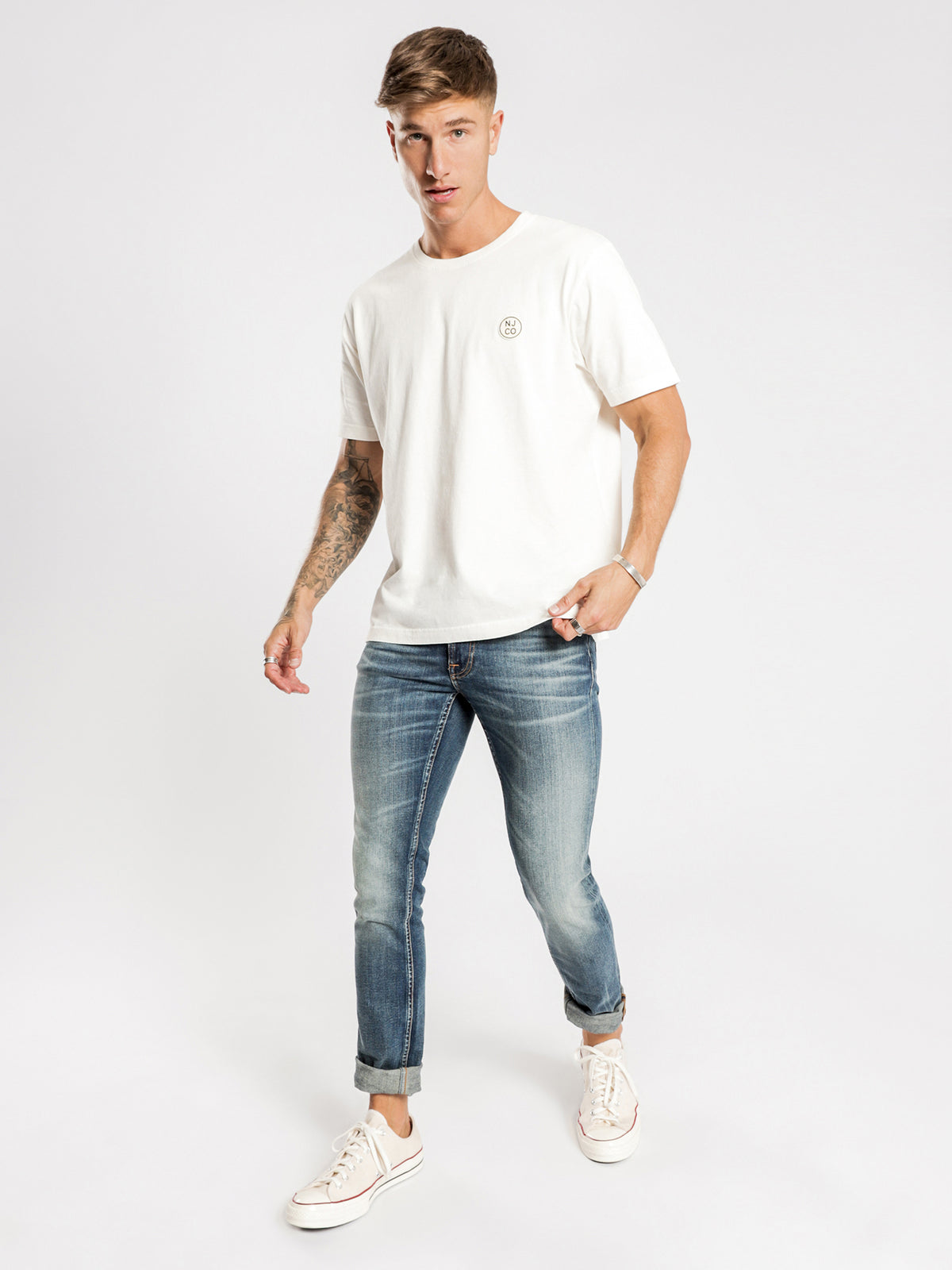Uno Njco Circle T-Shirt in Dusty White