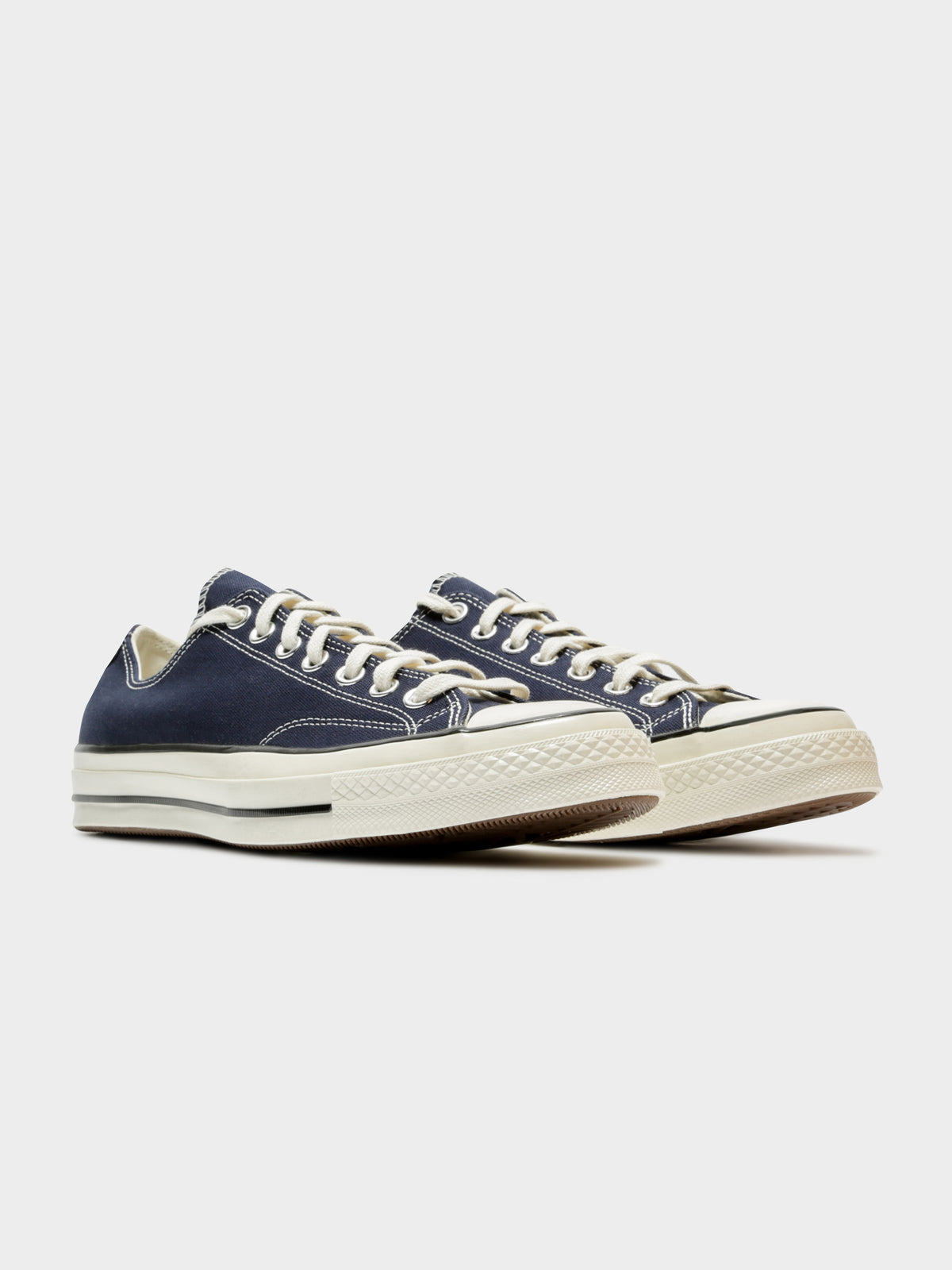 Mens Chuck 70 Low Top Sneakers in Navy & White