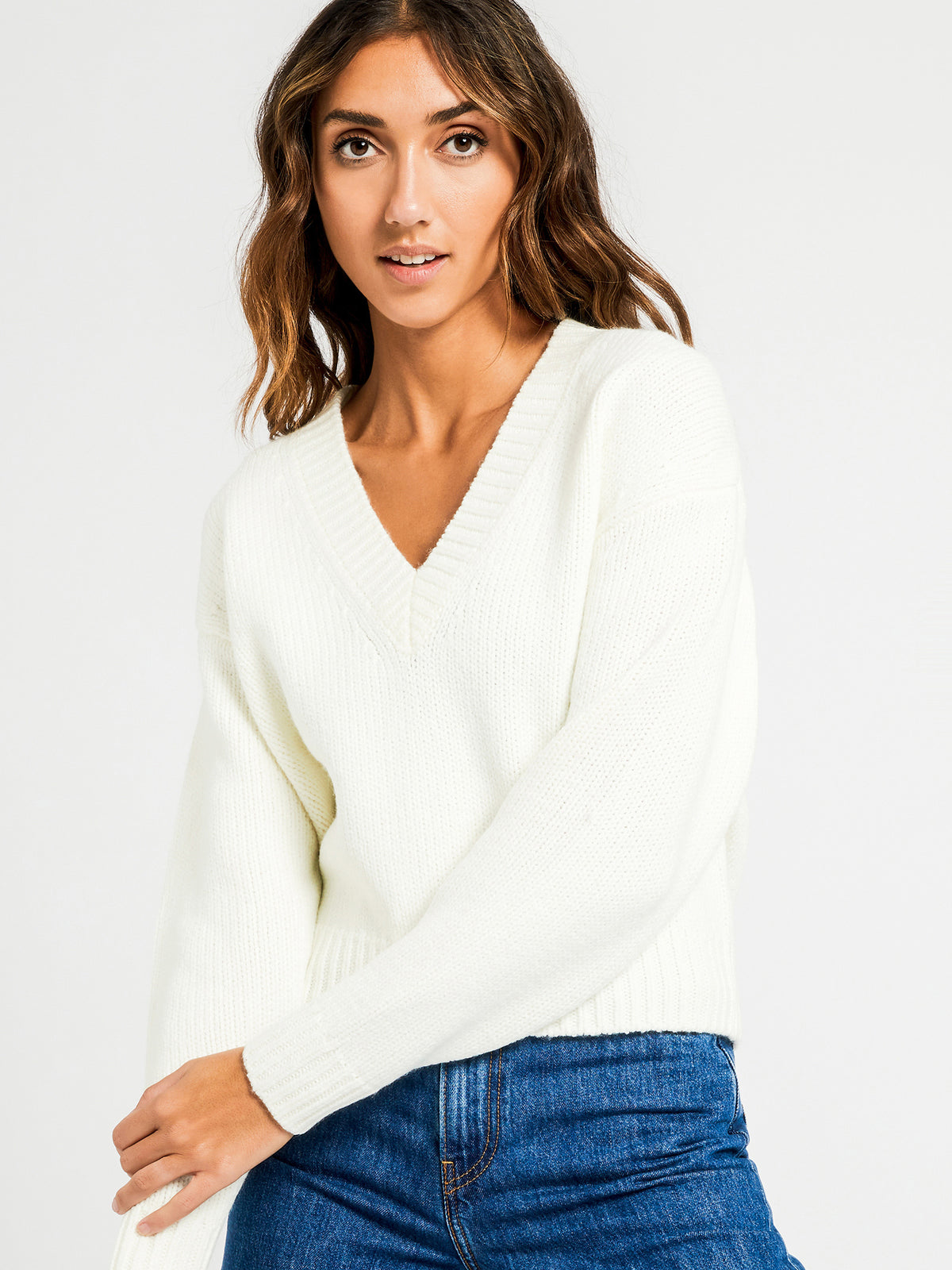 Gwen V Neck Jumper in Off White