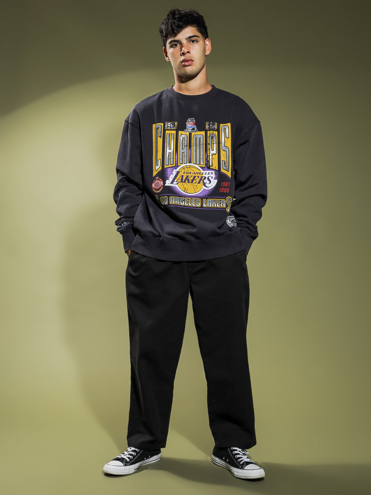 Vintage Champions Lakers Crewneck in Black
