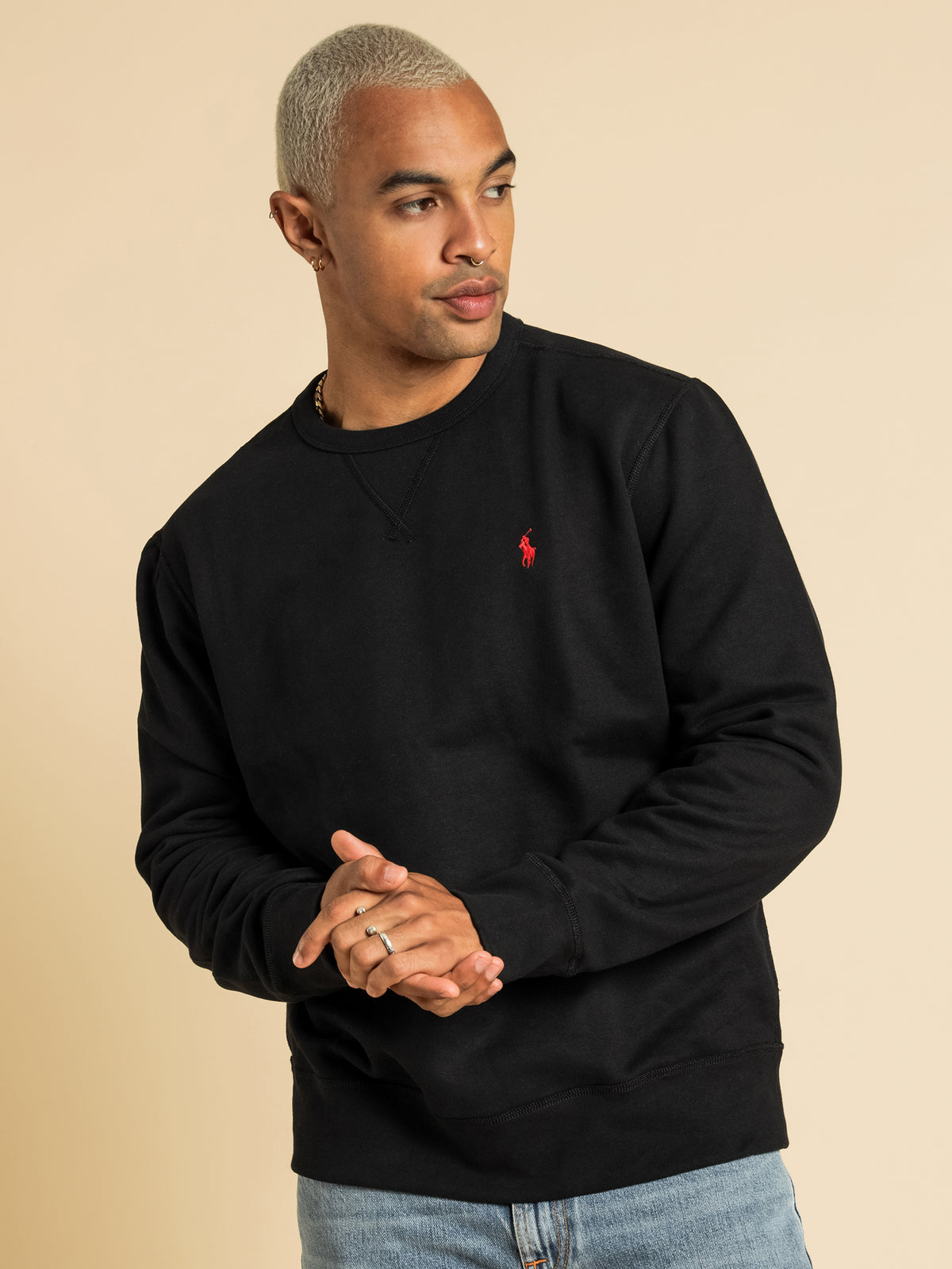 Long Sleeve Sweatshirt in Black