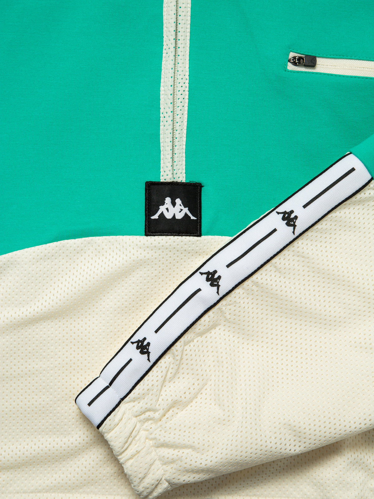 Authentic JPN Camaline Hooded Pullover in Green & White