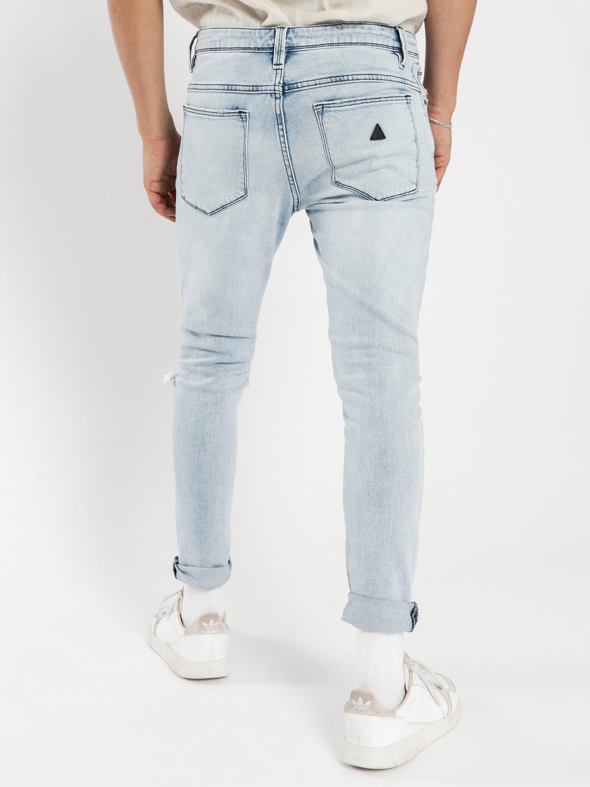 A Dropped Slim Turn Up Jeans Get Shaky Blue Denim