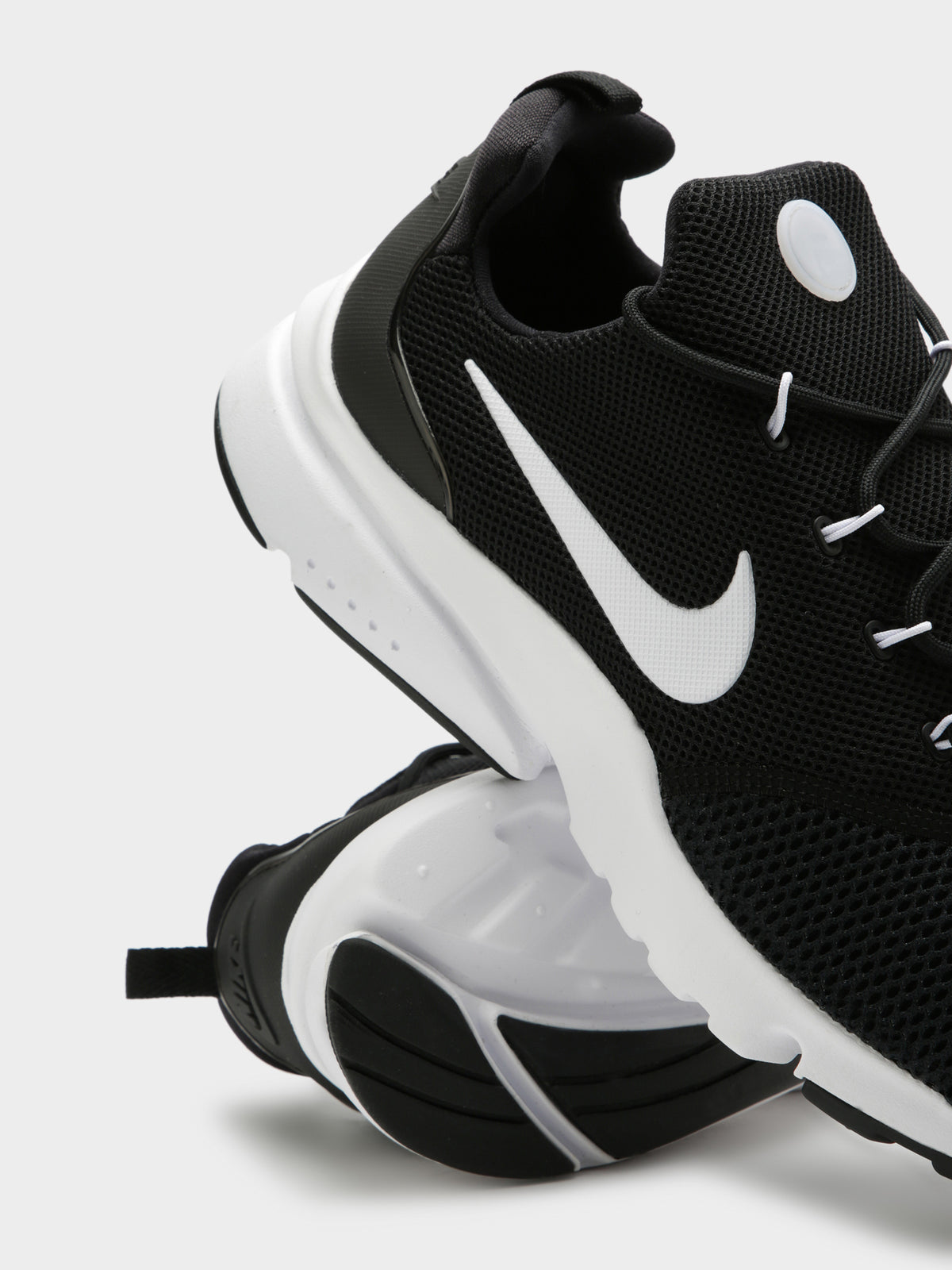 Mens Presto Fly Sneakers in Black & White