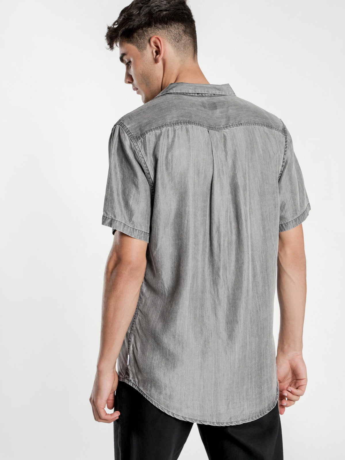 Zeek Short Sleeve Shirt in Washed Black