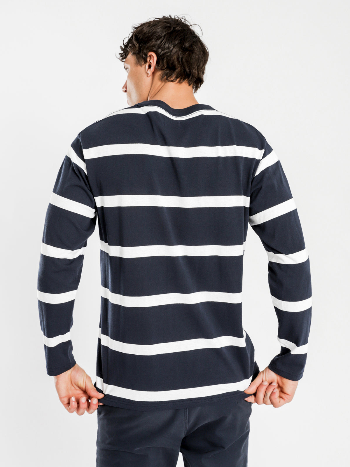 Ezra Long Sleeve T-Shirt in Navy Stripe