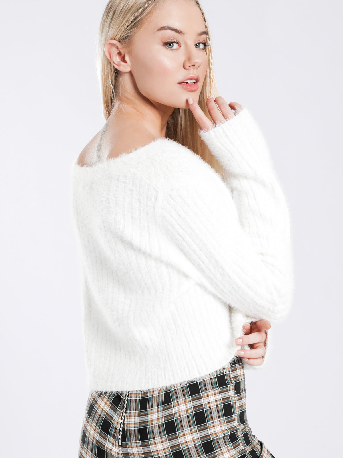 Betty Fluffy Cardi in Off White