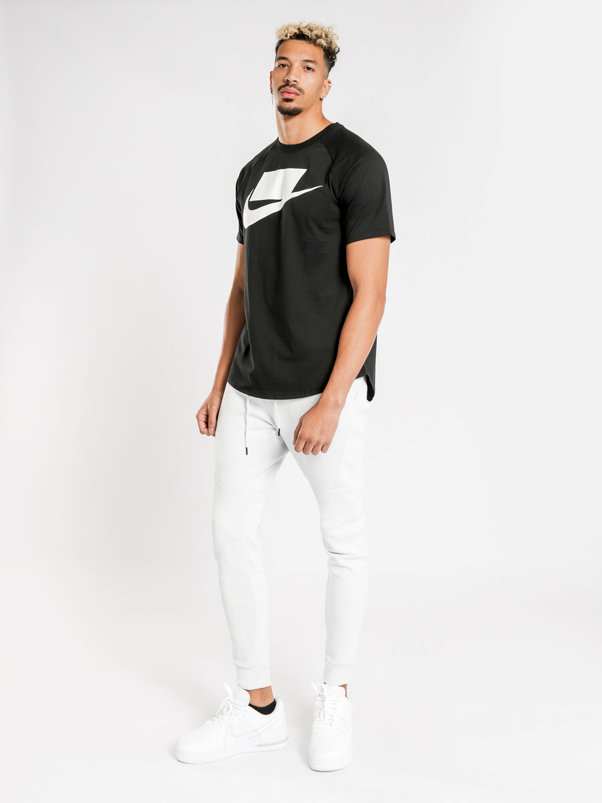 Air Short Sleeve T-Shirt in Black