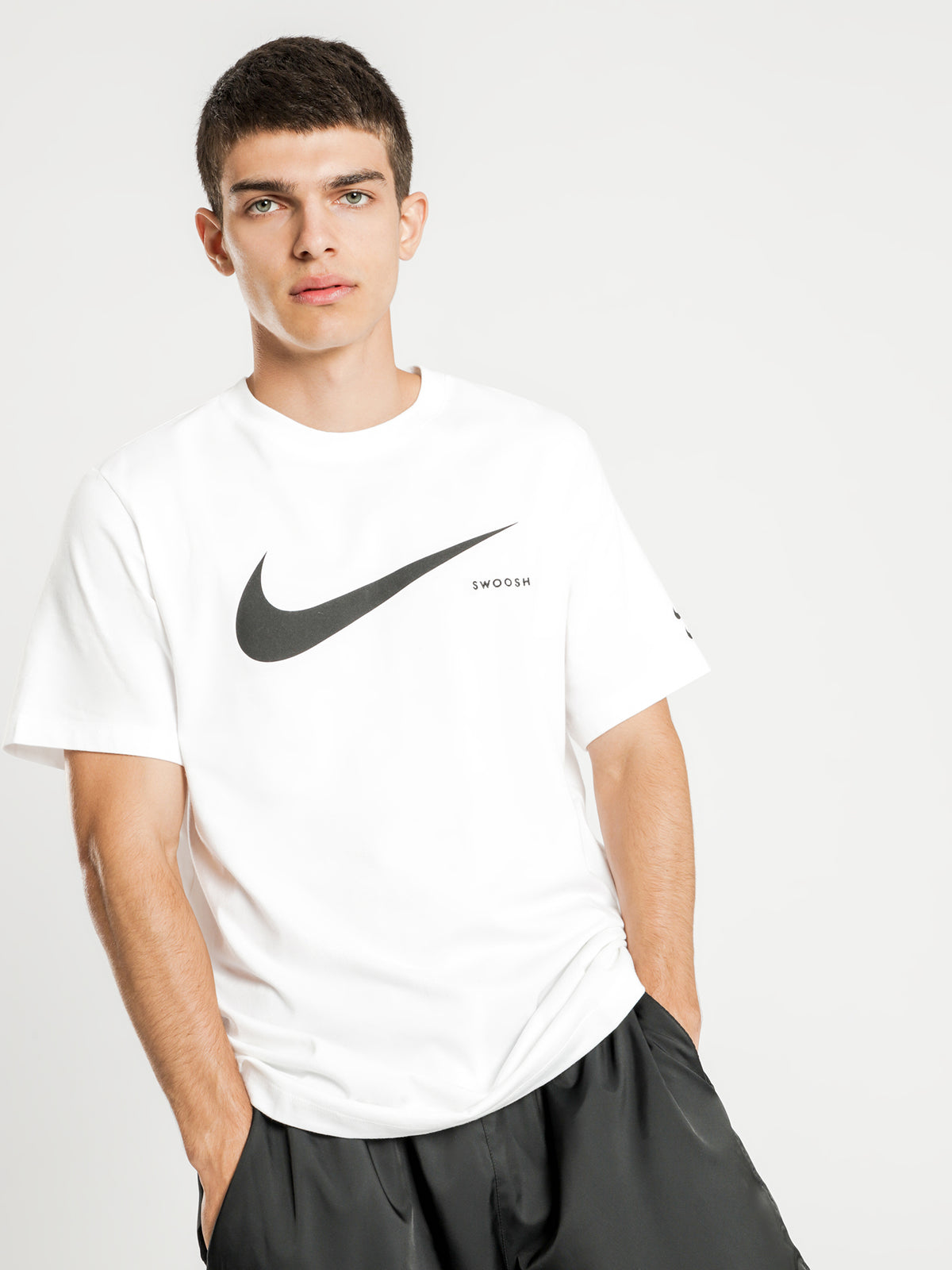 NSW Swoosh Short Sleeve T-Shirt in White