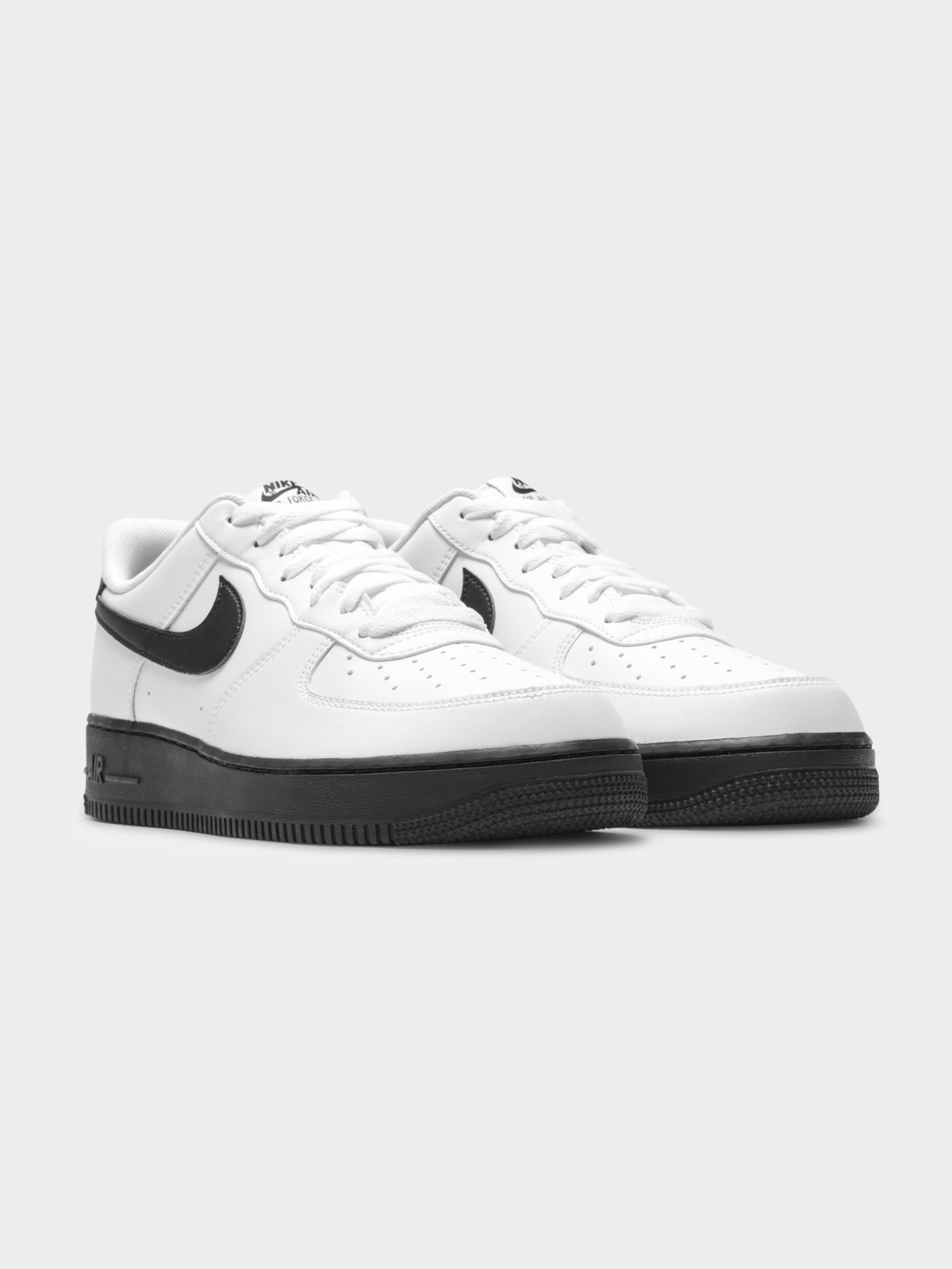 Unisex Air Force 1 '07 Sneakers in White & Black