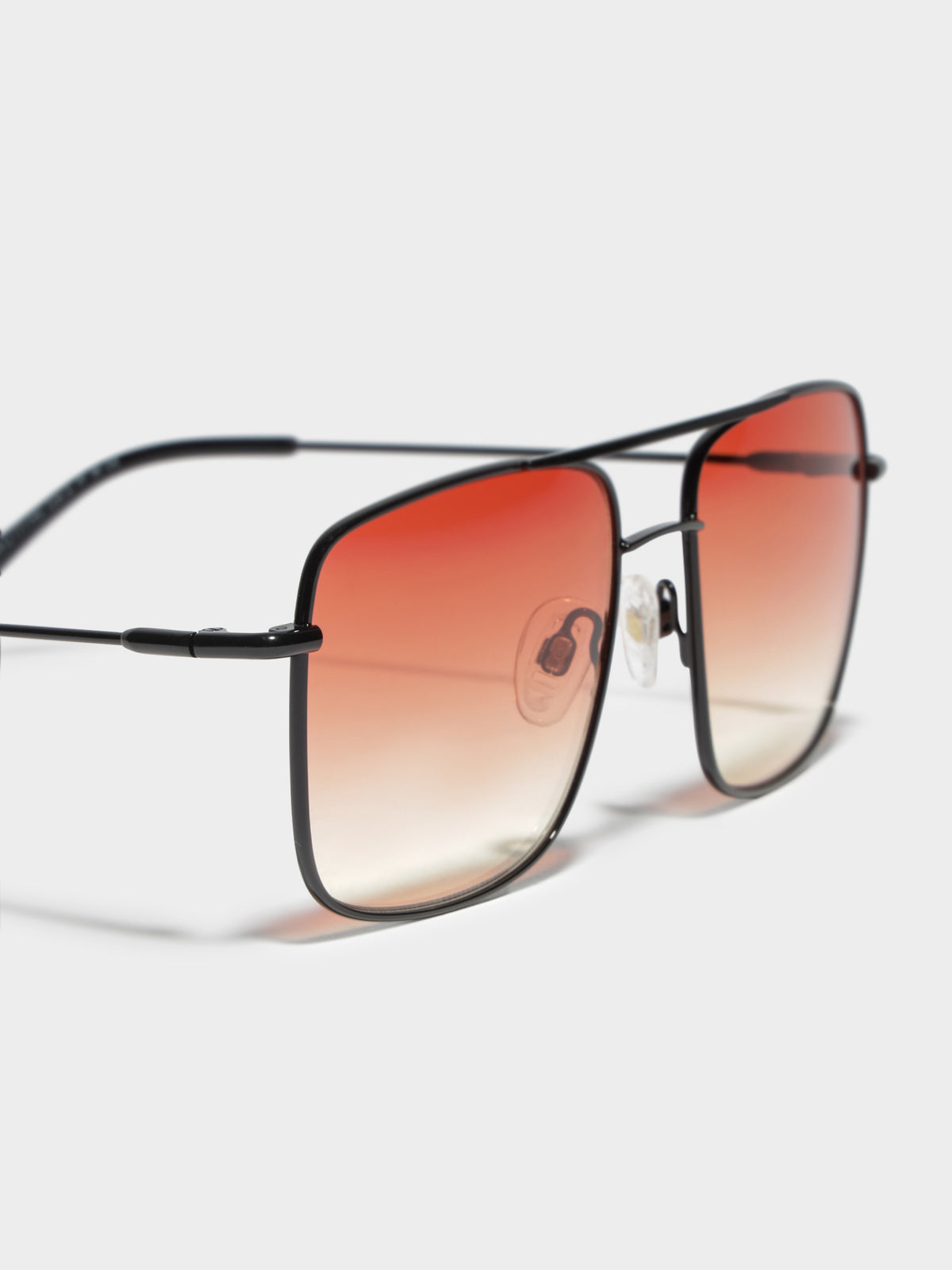CL686201 Reaction Sunglasses in Black Sunset
