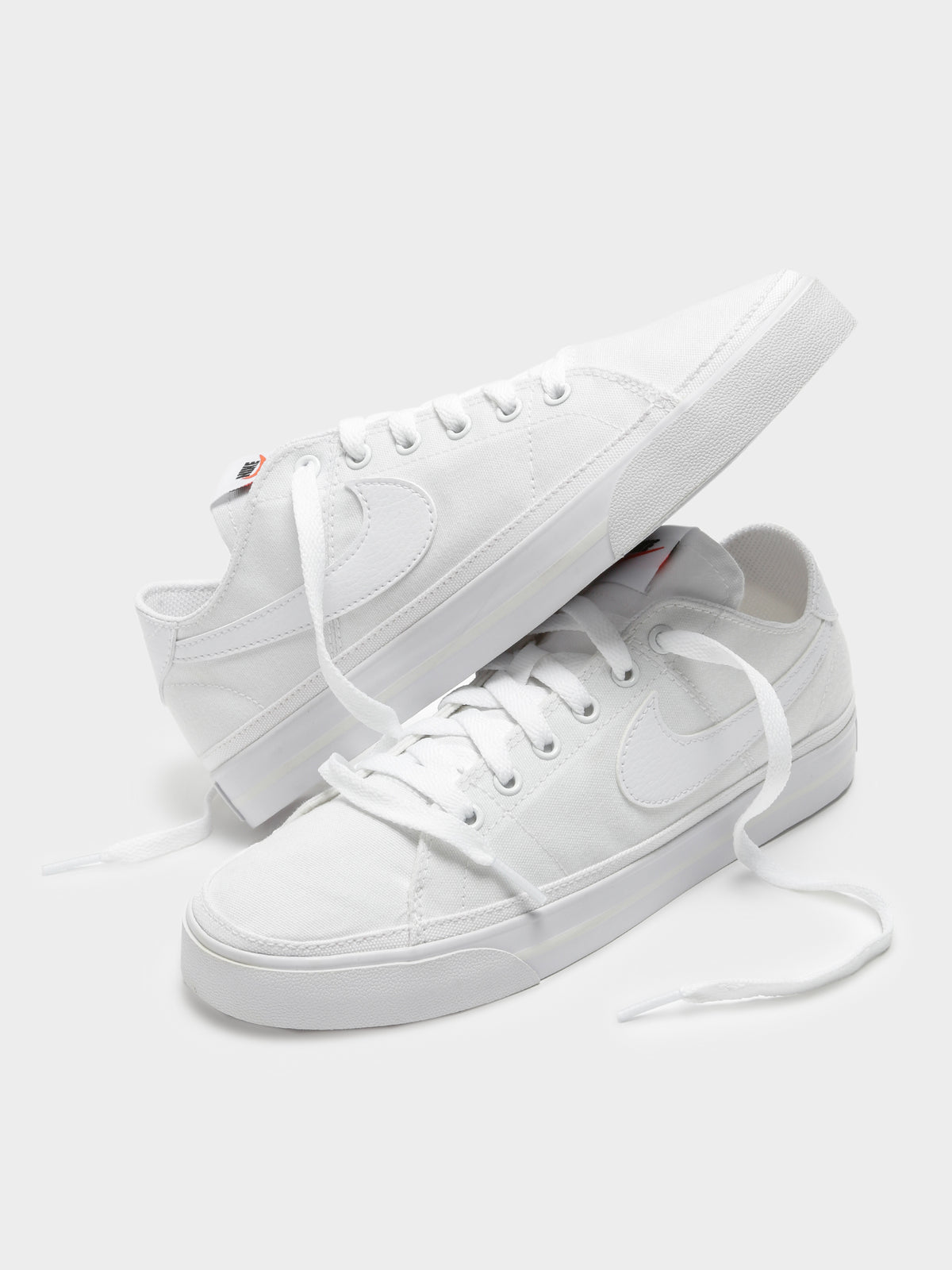 Womens Court Legacy Canvas Sneaker in White