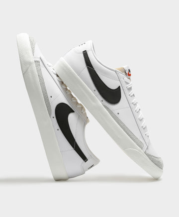 Mens Blazer Low Top '77 Vintage Sneakers in Black & White