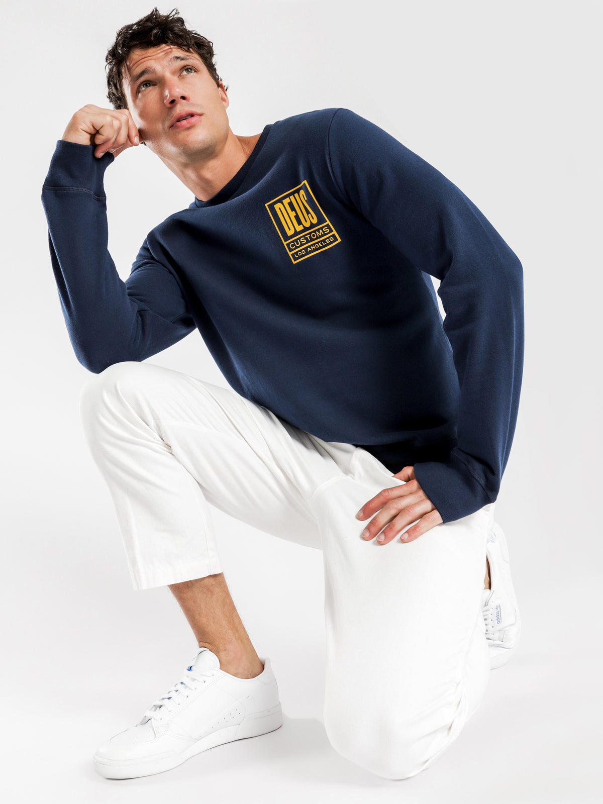Benzin Crew Sweater in Navy