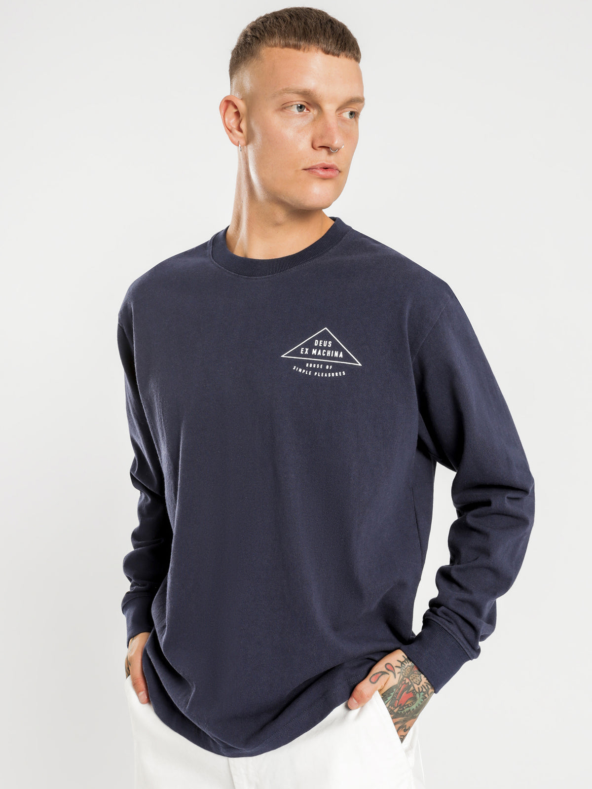 Giza Long Sleeve T-Shirt in Navy
