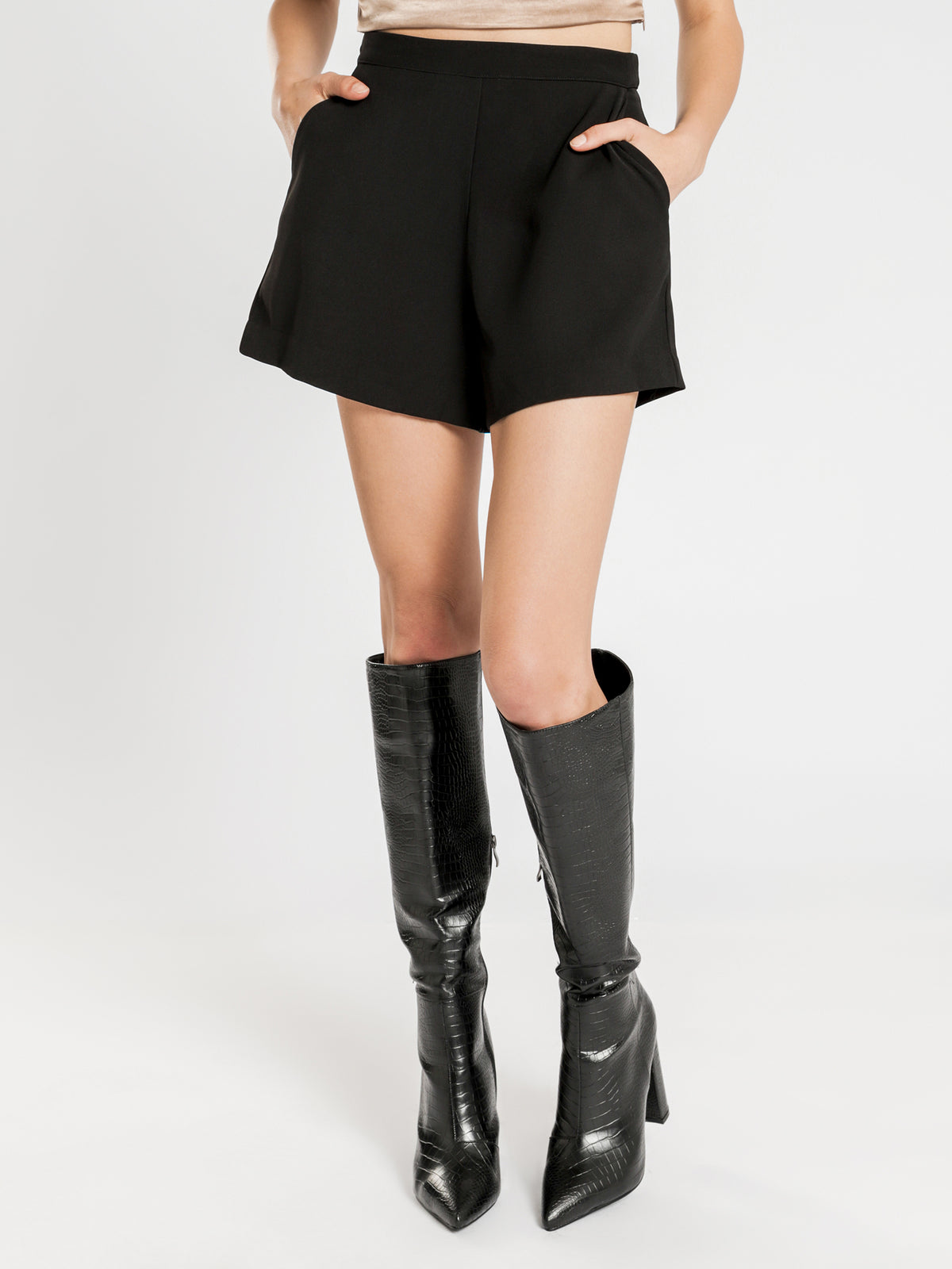 Remy Tailored Shorts in Black