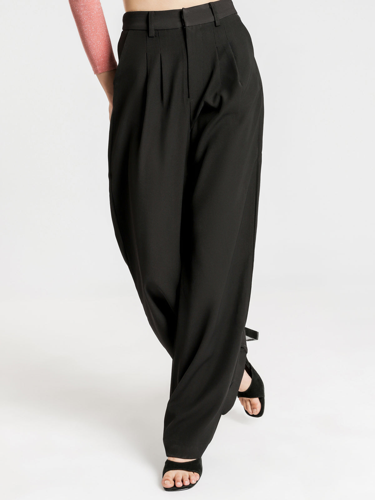 Remy Straight Trousers in Black