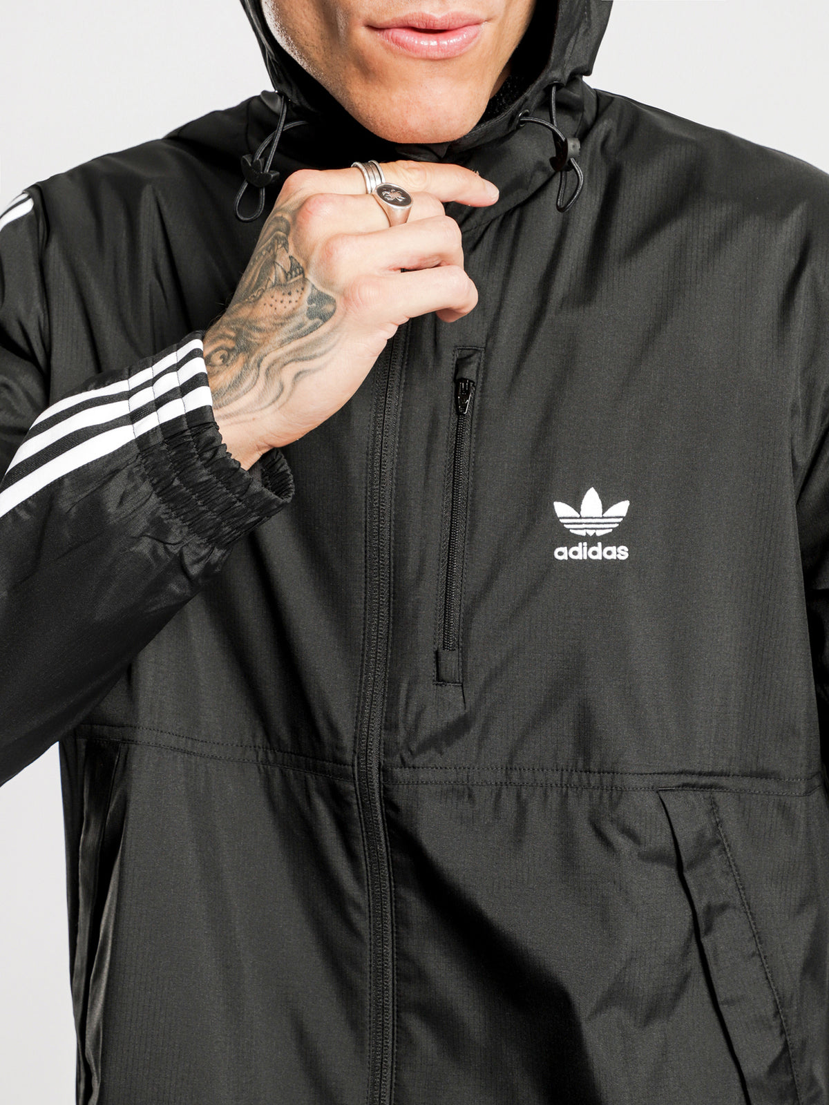 Lock Up Wind Breaker in Black
