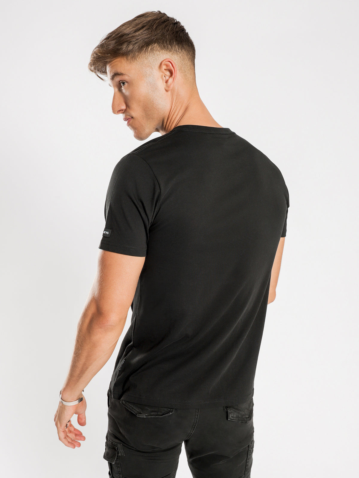 Briggs T-Shirt in Black