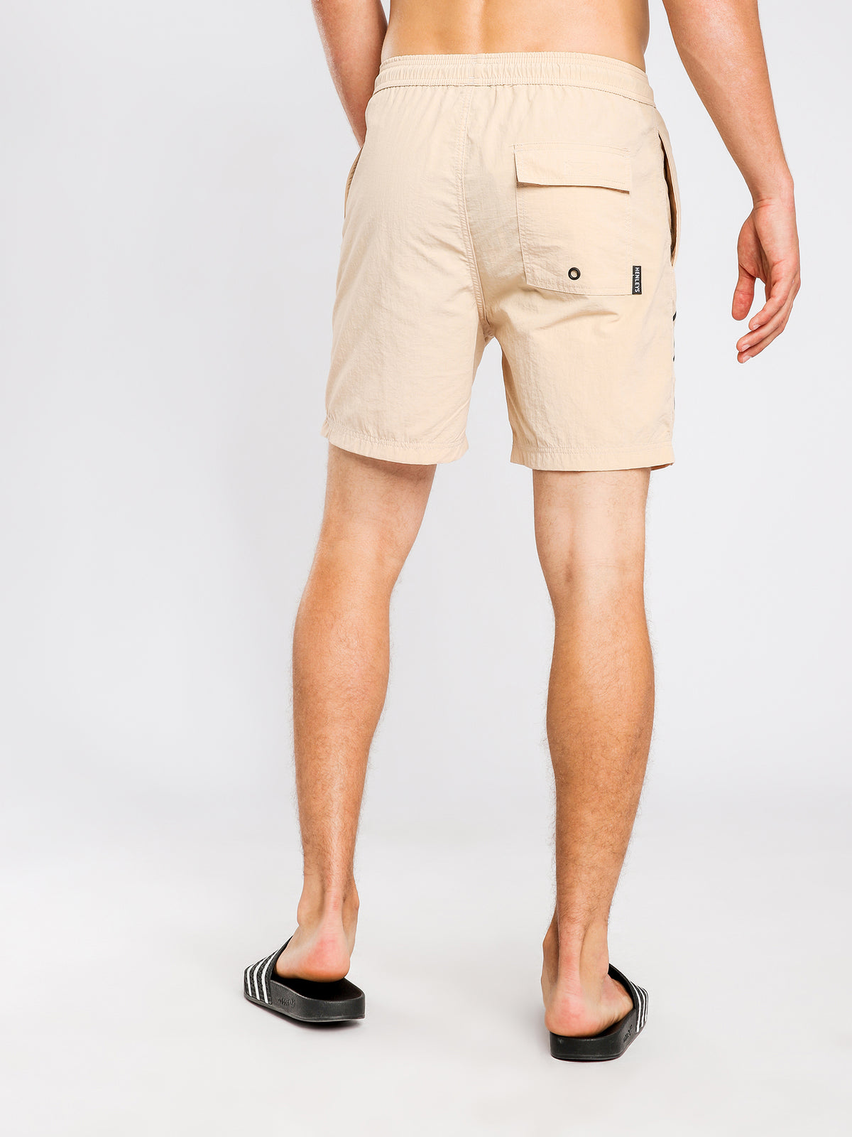 Chester Shorts in Sand