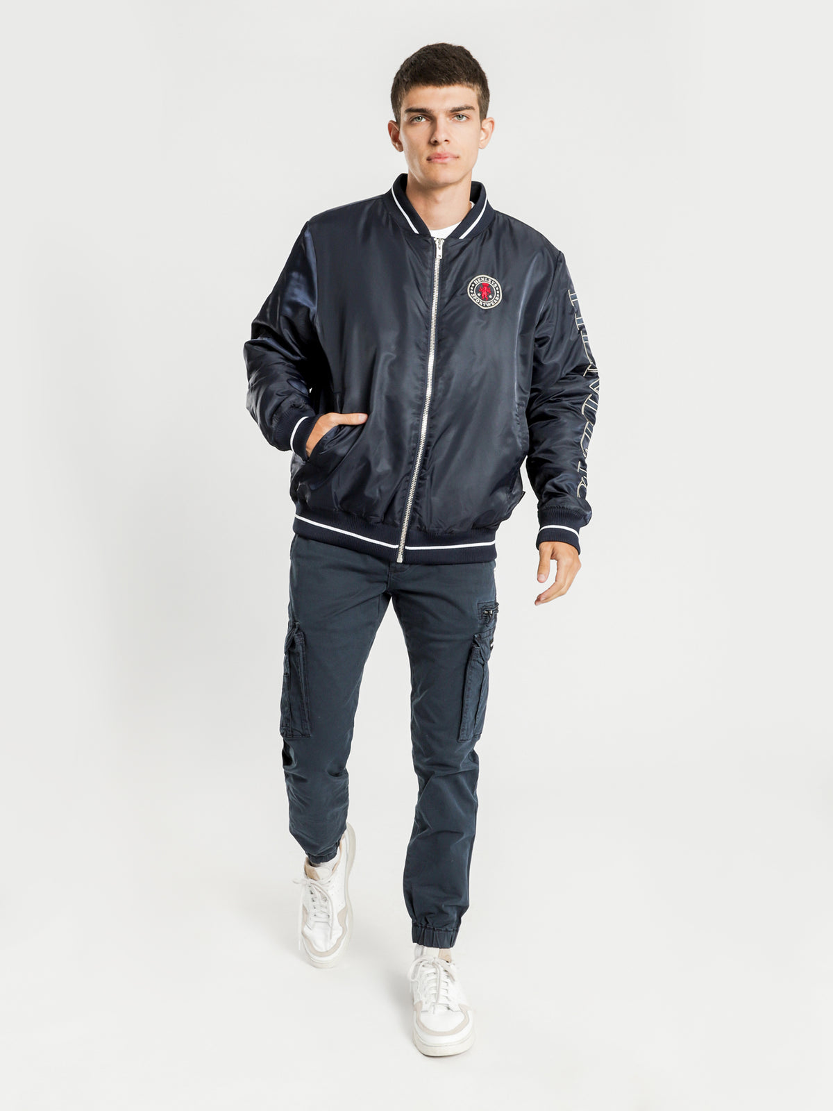 Synder Bomber Jacket in Navy
