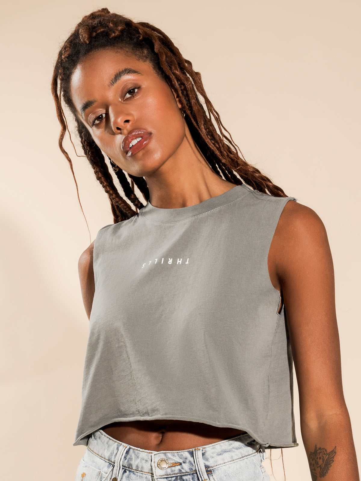 Minimal Merch Crop Muscle T-Shirt in Washed Grey