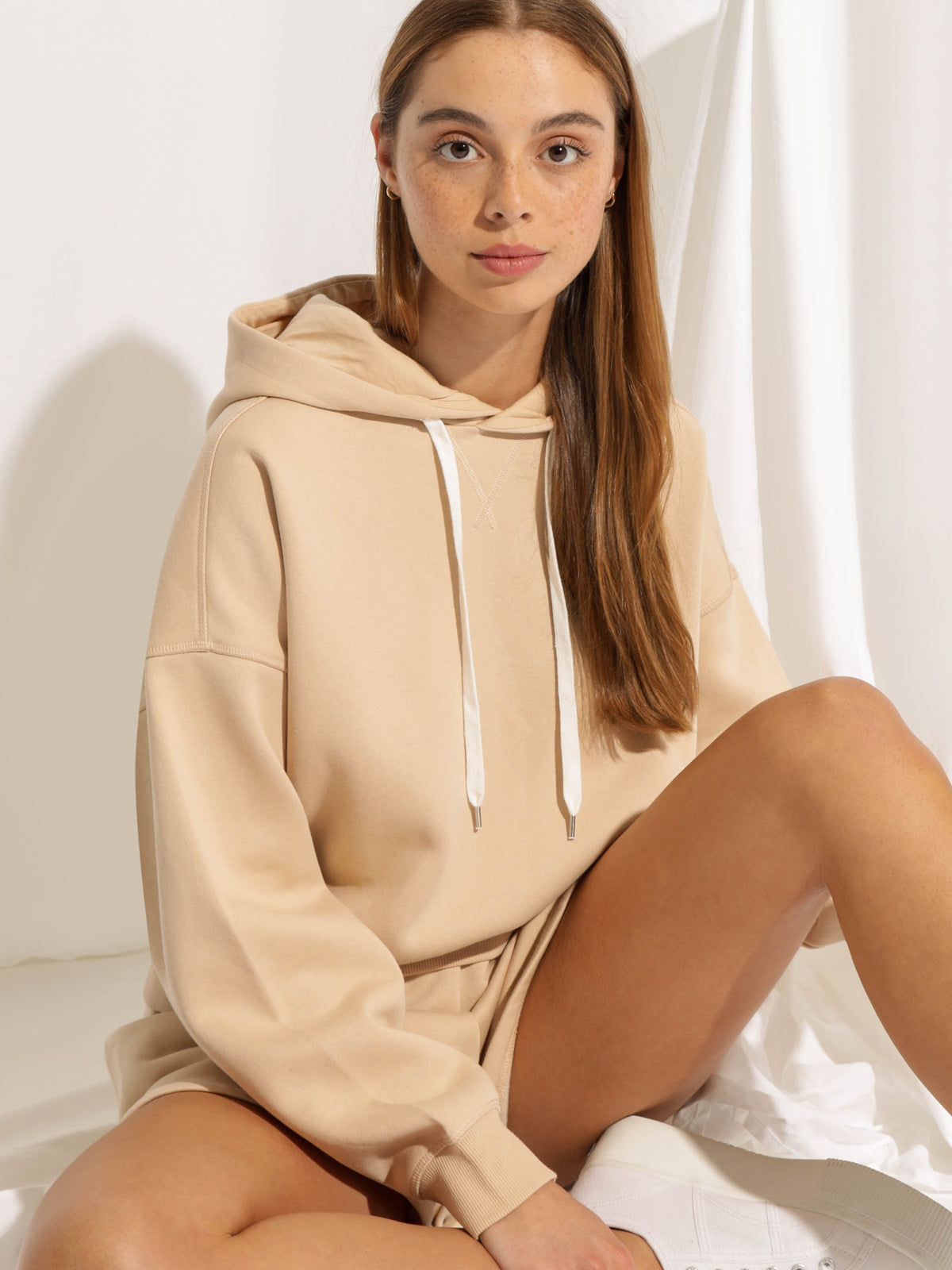 Carter Classic Hoodie in Sand