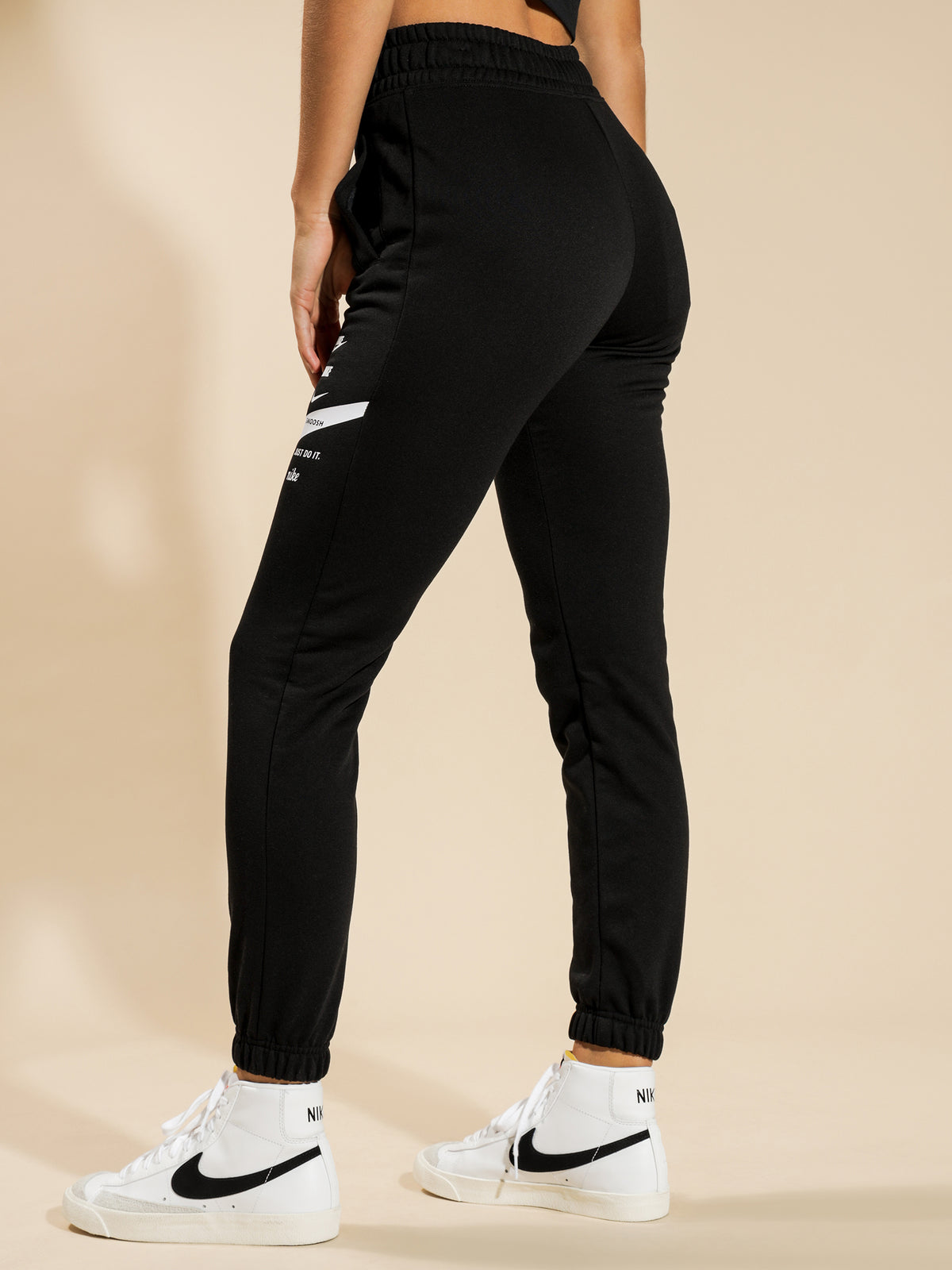Sportswear Swoosh Pants in Black & White