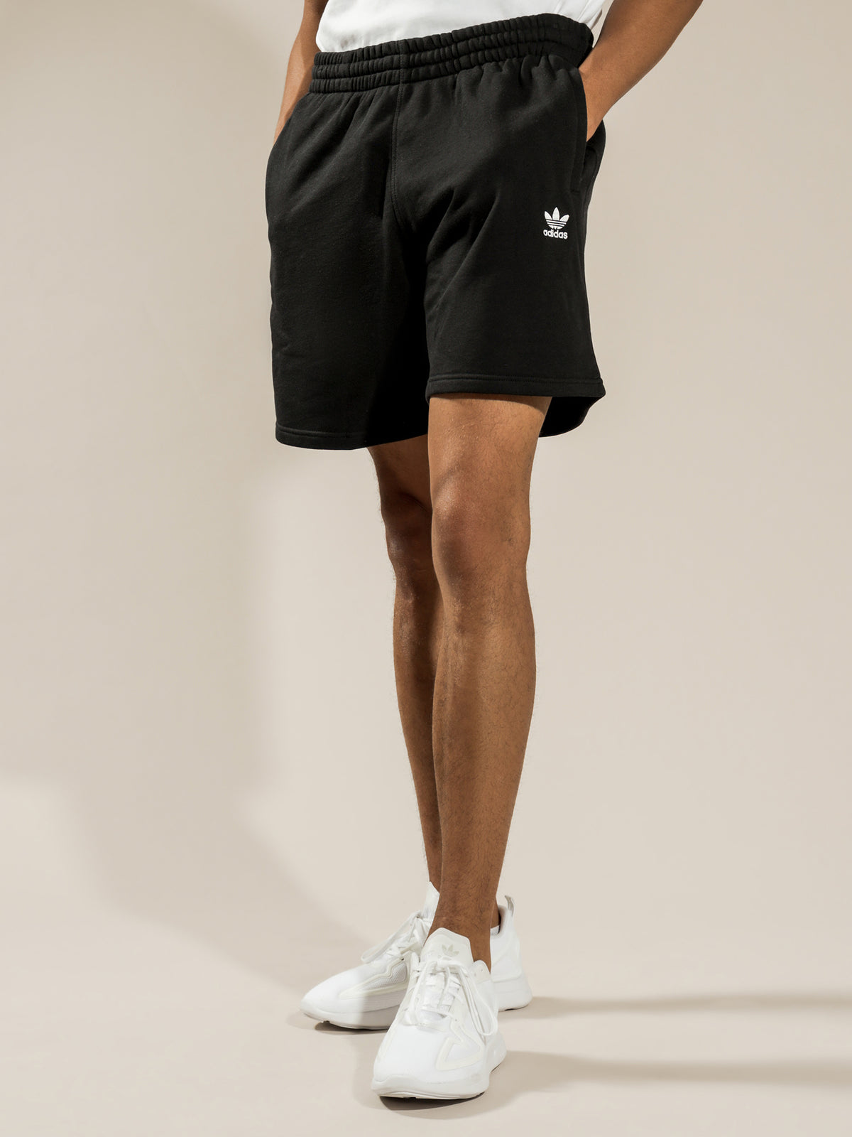 Essentail Shorts in Black