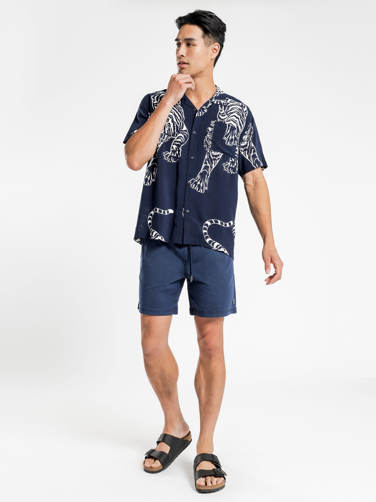 Legacy Short Sleeve Shirt in Navy