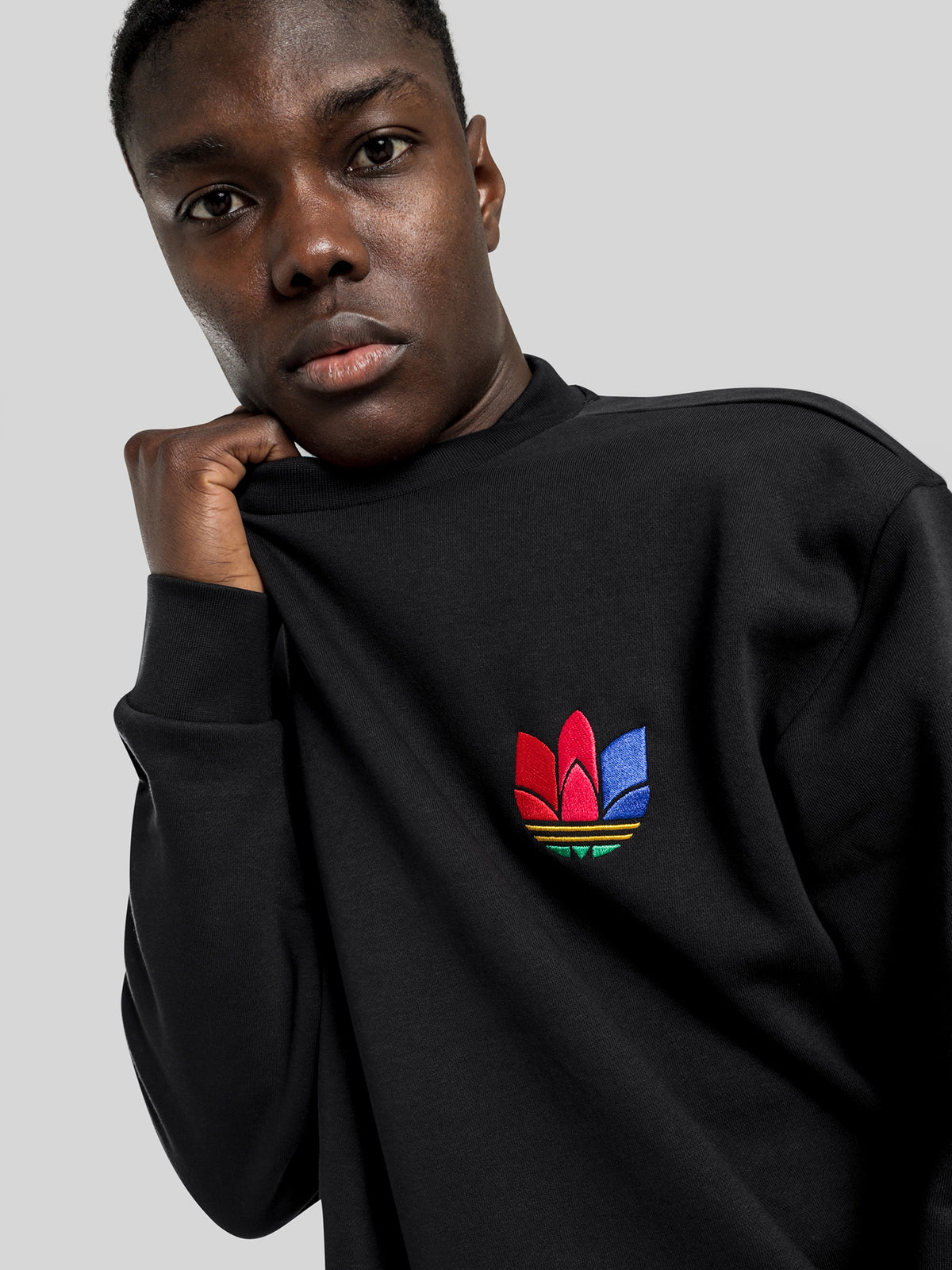 3D Trefoil Graphic Crew Sweatshirt in Black
