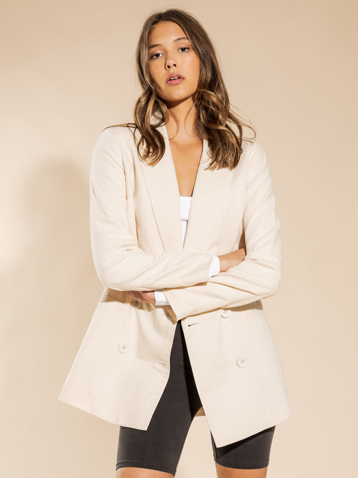 Alba Linen Blazer in Almond