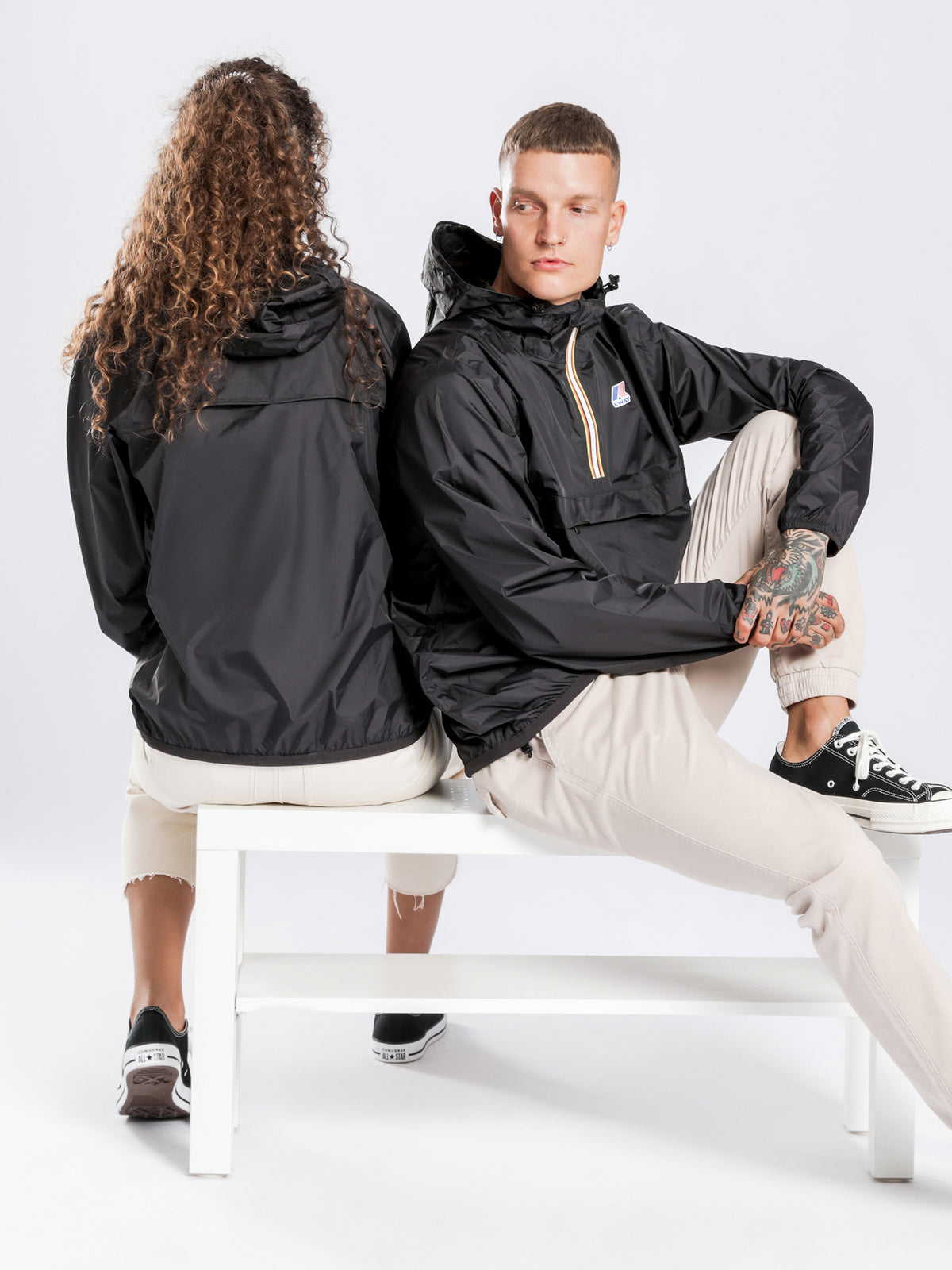 Le Vrai Leon 3.0 Packable Waterproof Half-Zip Windbreaker in Black