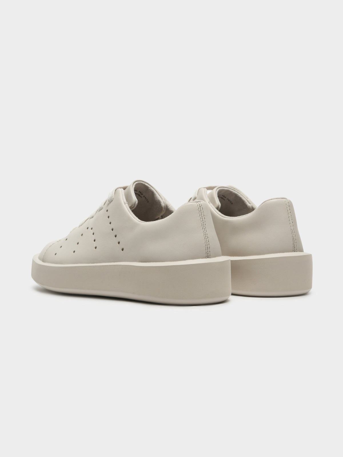 Womens Courb Sneakers in Beige