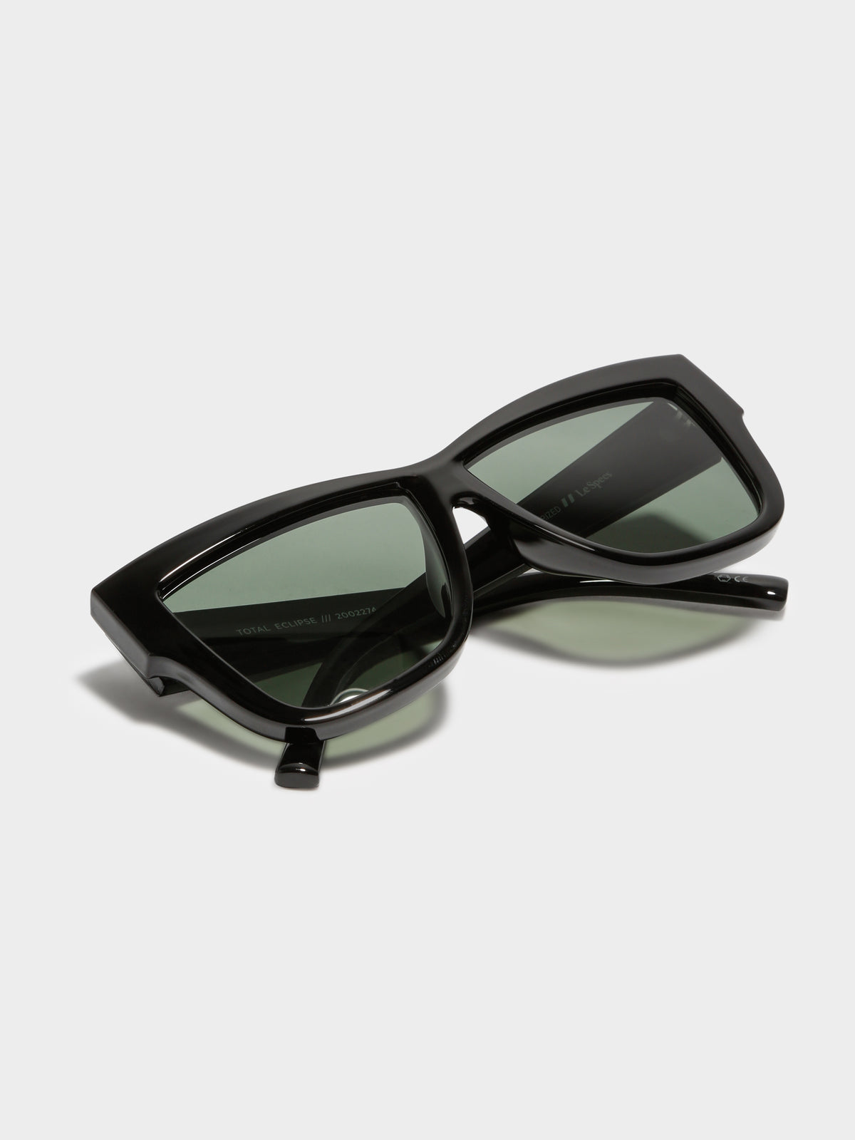 Womans Total Eclipse Sunglasses in Black