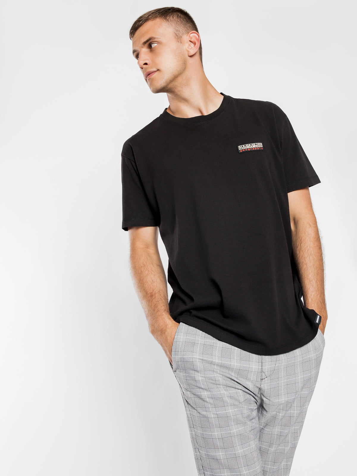 Sase Short Sleeve T-Shirt in Black