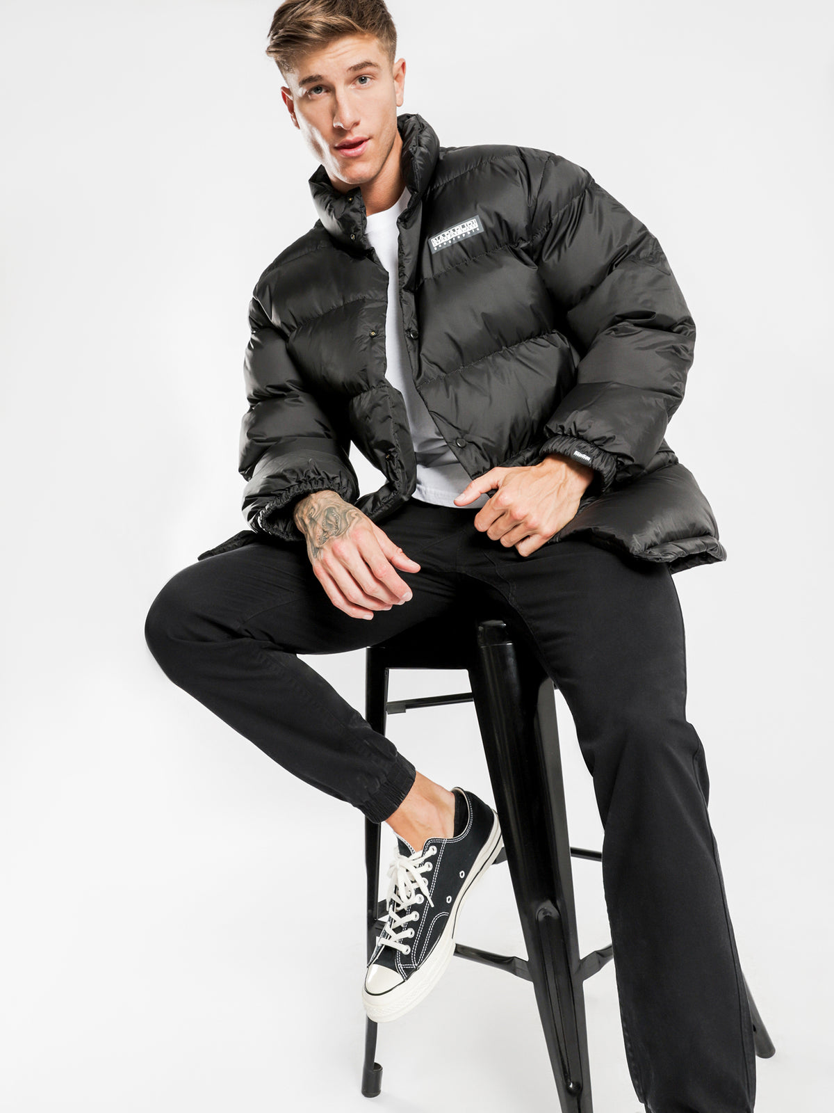 Ari Puffer Jacket in Black