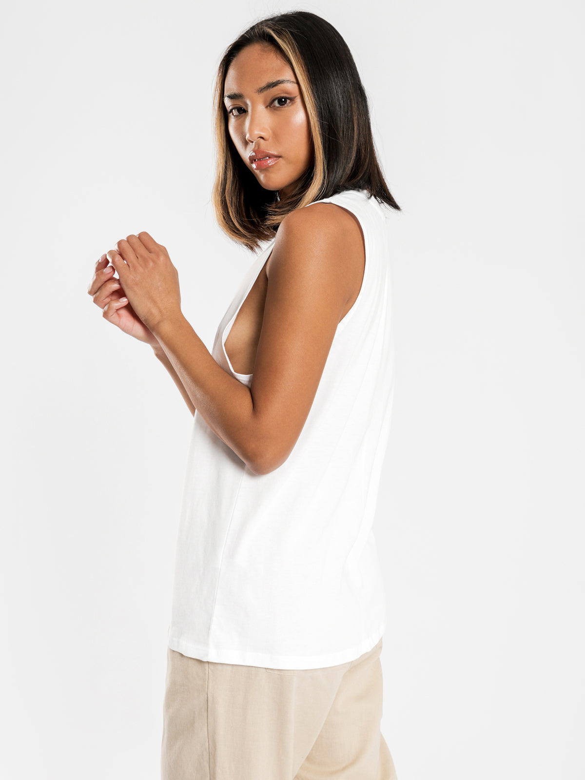 Kiera Basic Muscle Tank in White