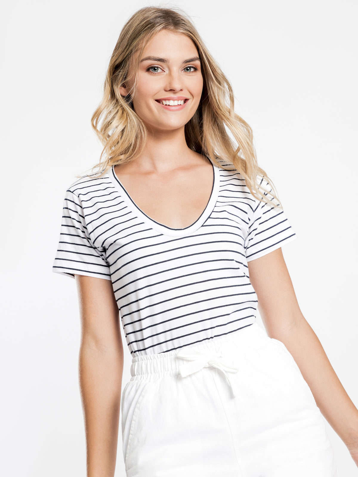 Blake Basic V Neck T-Shirt in Navy Stripe